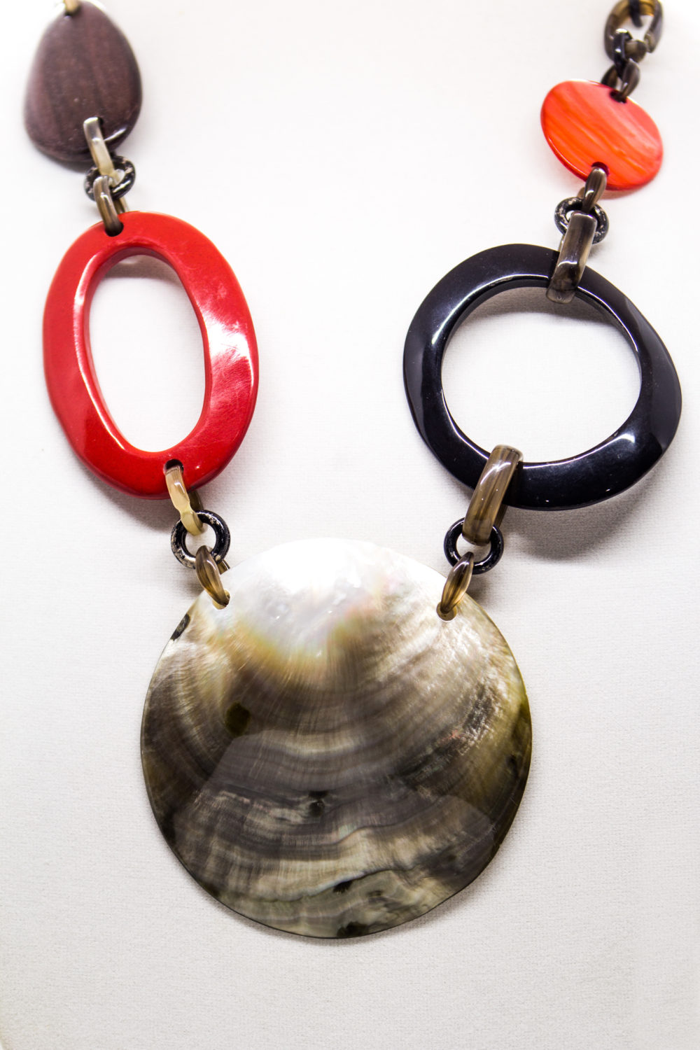 Link Necklace Alisha D Philippines Iridescent Shell Brown 2